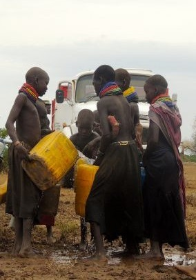Repartiendo Agua en Nyangaton