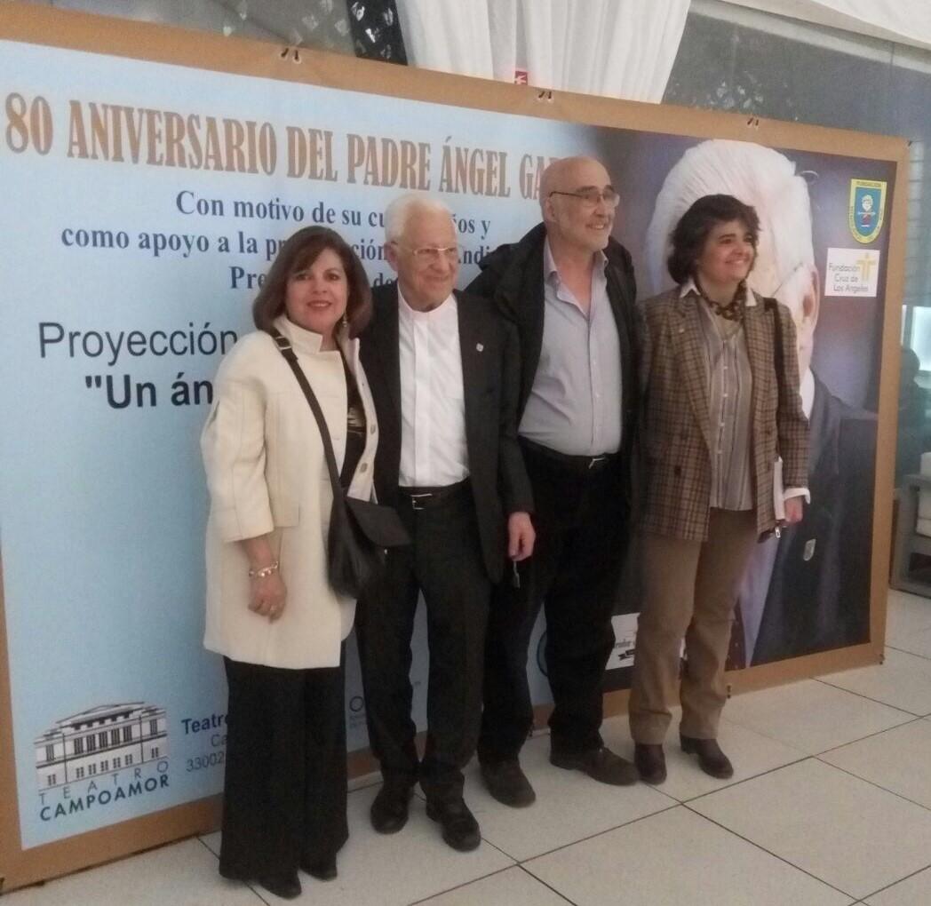 De izquierda a derecha, Charo Cerezo, Padre Ángel, Jesús Hernández y Carmen Marroqui de la Fundación Ana de Paz