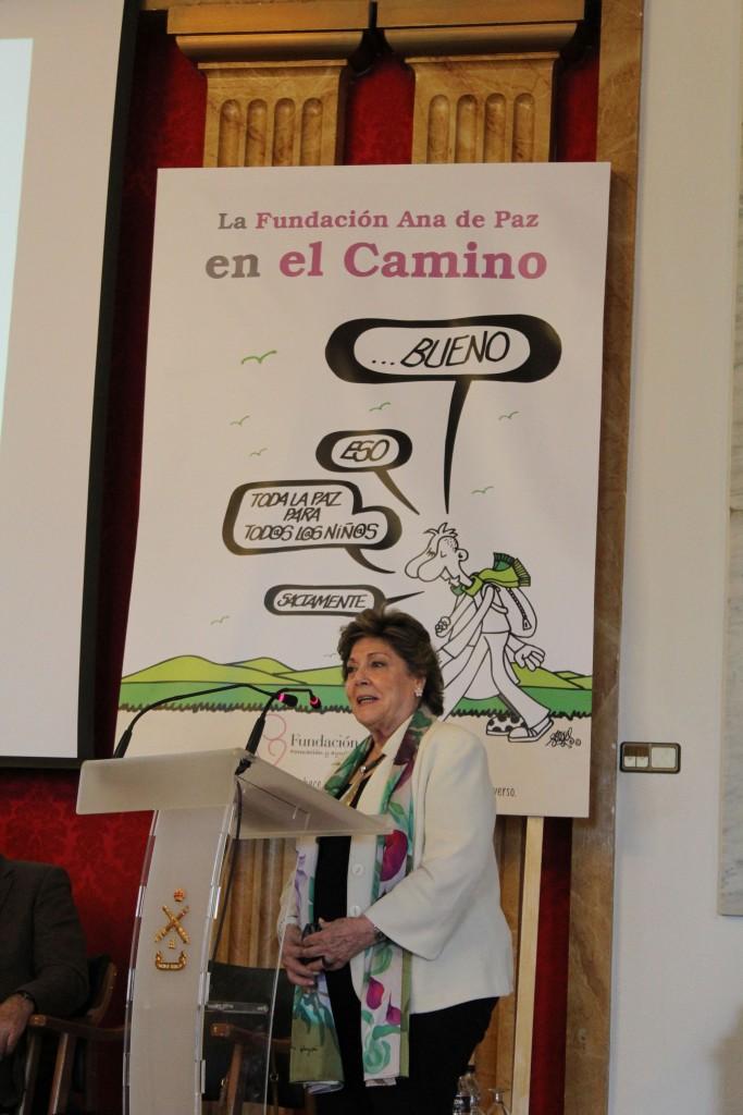 Paloma Gómez Borerero durante su intervención en el Acto de Procalmación de ganadores de los I Premios de Paz por la Paz: La Paz y la Seguridad. Segovia 2 de junio de 2016