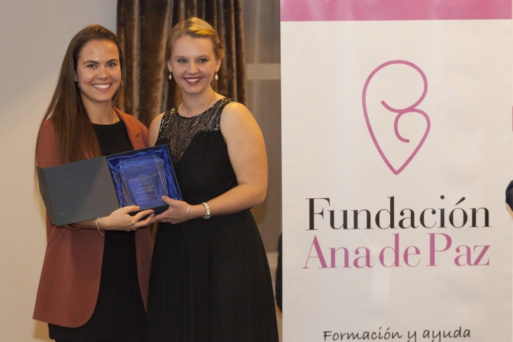 Ana Hernández de Paz con Laura Kiwak